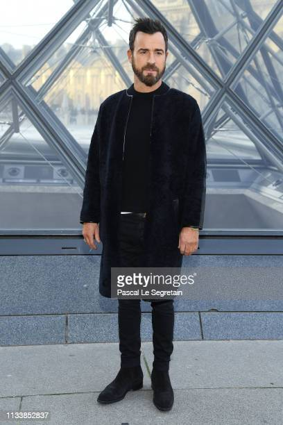 Justin Theroux attends the Louis Vuitton show as part of the Paris Fashion Week Womenswear Fall/Winter 2019/2020 on March 05 2019 in Paris France