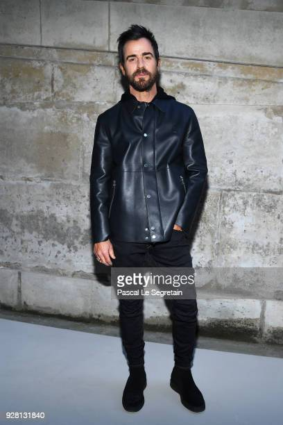 Justin Theroux attends the Louis Vuitton show as part of the Paris Fashion Week Womenswear Fall/Winter 2018/2019 on March 6 2018 in Paris France