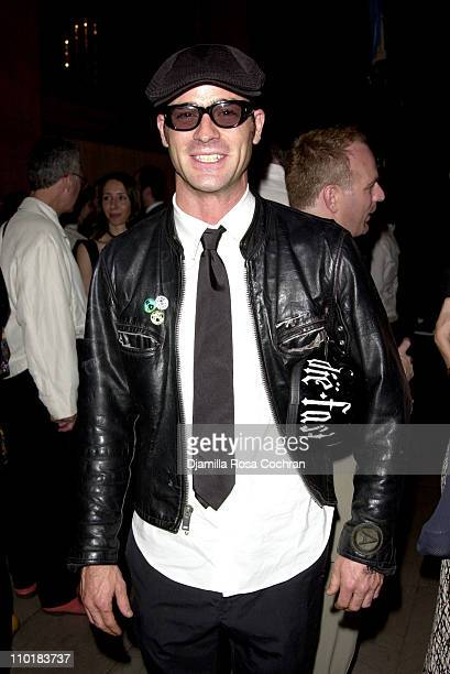 """Justin Theroux during Friends of the High Line Party to Celebrate """"Designing the High Line"""" at Vanderbilt Hall, Grand Central Terminal in New York..."""