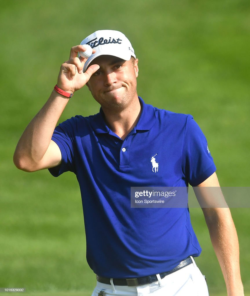 Justin Thomas Acknowledges The Applause Of The Crowd After Sing A