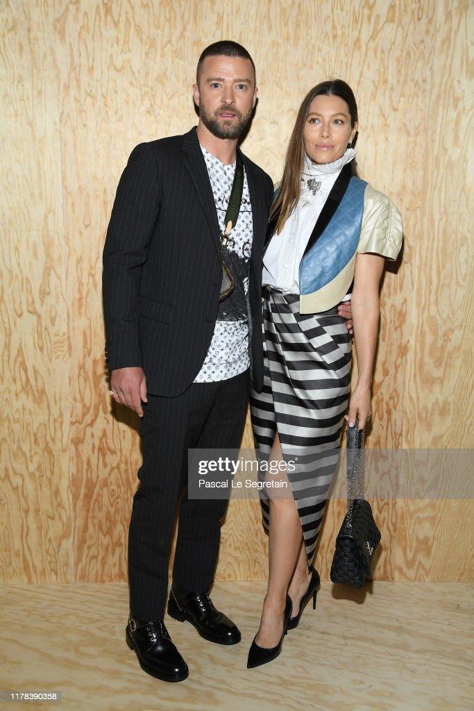 Louis Vuitton : Front Row - Paris Fashion Week - Womenswear Spring Summer 2020 : News Photo