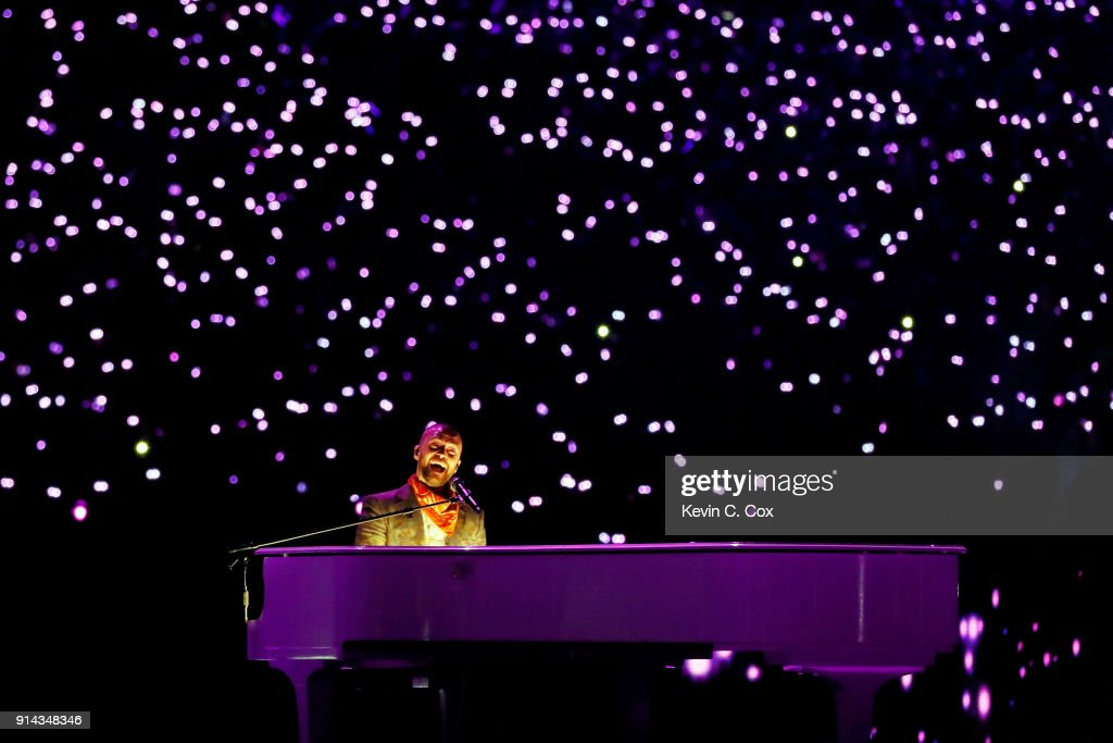 Justin Timberlake performs during the Pepsi Super Bowl LII Halftime Show at U.S. Bank Stadium on February 4, 2018 in Minneapolis, Minnesota.