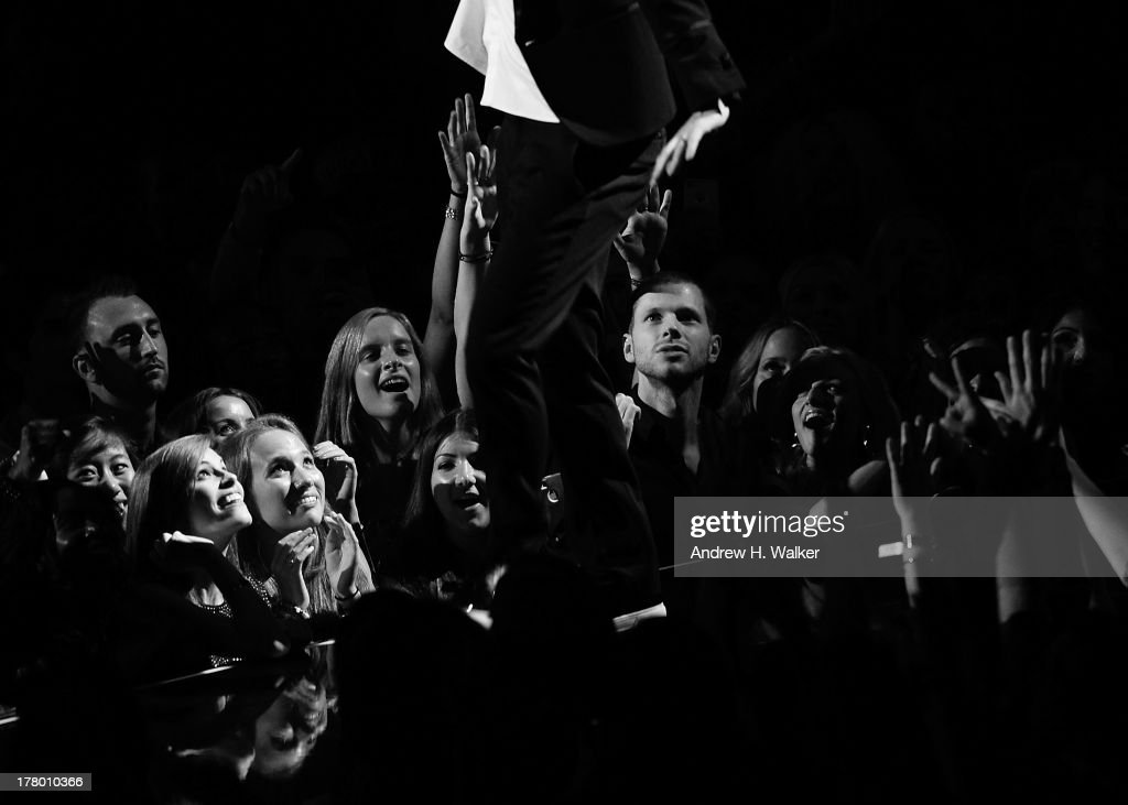 Justin Timberlake performs on stage during the 2013 MTV Video Music Awards at the Barclays Center on August 25, 2013 in the Brooklyn borough of New York City.
