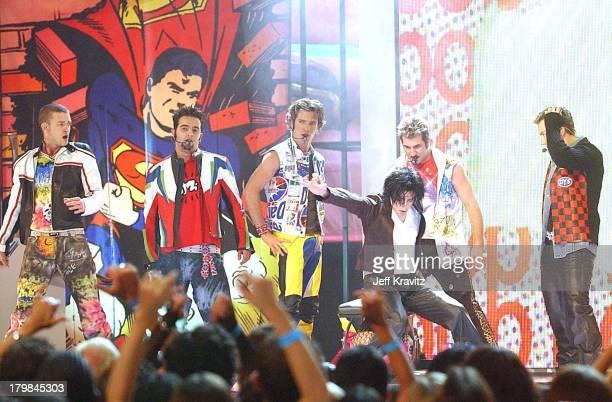Justin TimberlakeChris Kirkpatrick JC Chasez Michael Jackson Joey Fatone and Lance Bass