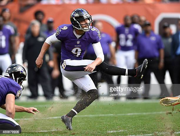 Justin Tucker of the Baltimore Ravens kicks a game winning 32 yard field goal against the Cleveland Browns at FirstEnergy Stadium on September 21...