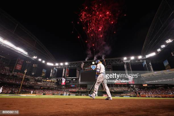Justin Turner of the Los Angeles Dodgers walks to the plate during the first inning of the National League Divisional Series game three against the...