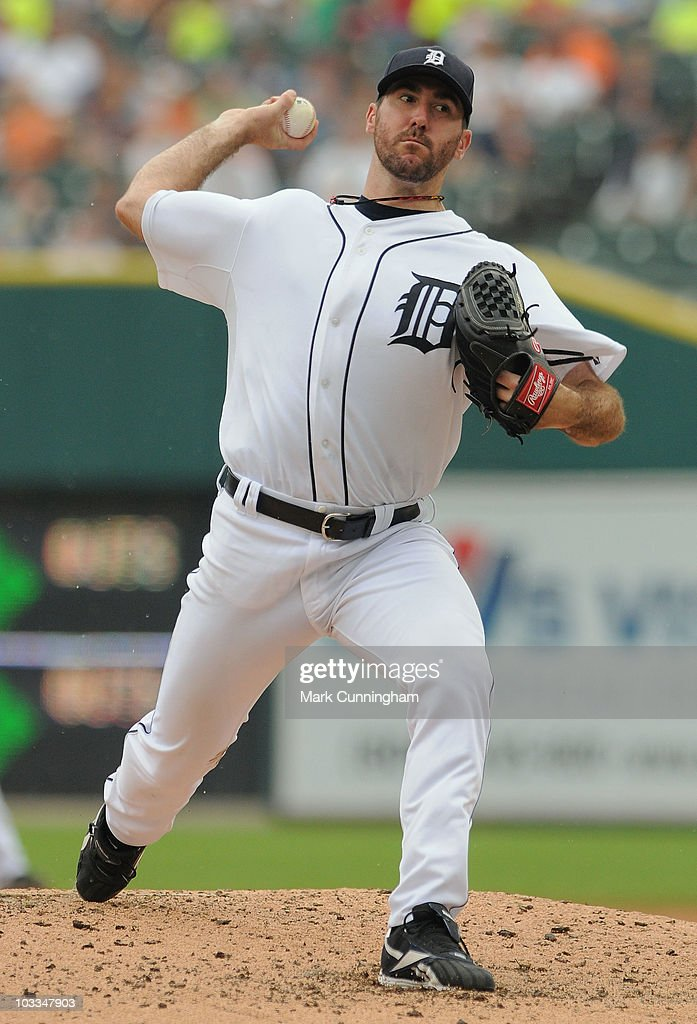 Justin Verlander #35 of the Detroit Tigers pitches against the Tampa Bay Rays during the game at Comerica Park on August 11, 2010 in Detroit, Michigan. The Tigers defeated the Rays 3-2.