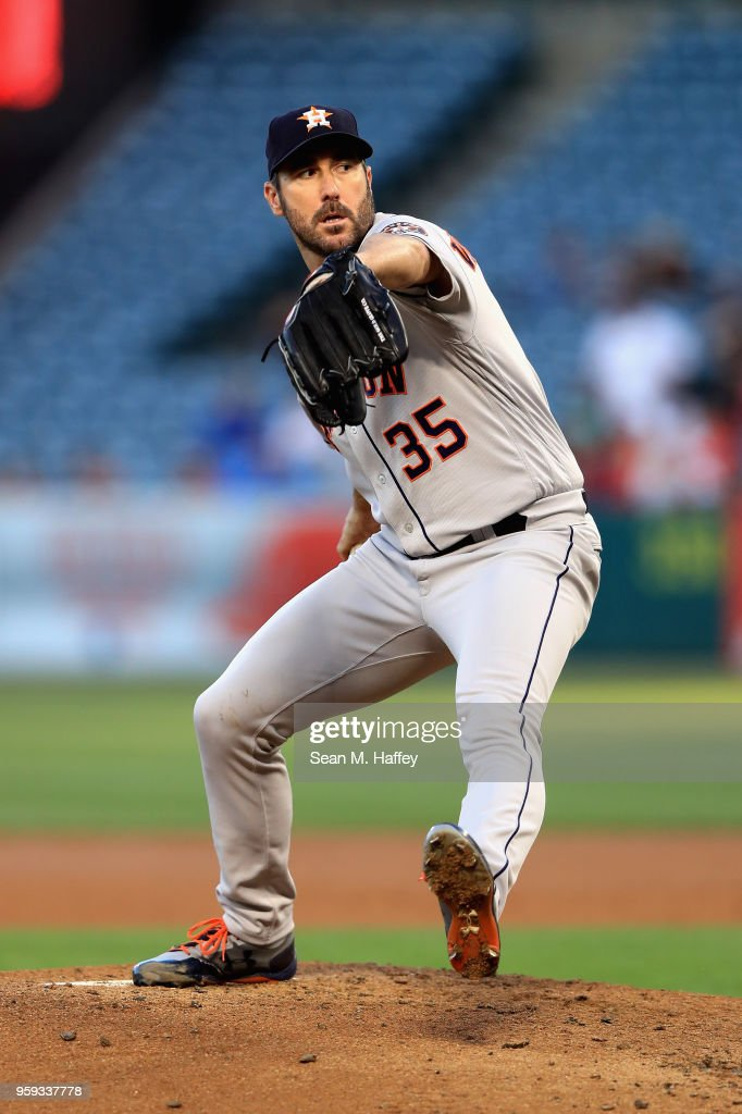 Justin Verlander #35 of the Houston Astros pitches during the third inning of a game against the Los Angeles Angels of Anaheim at Angel Stadium on May 16, 2018 in Anaheim, California.