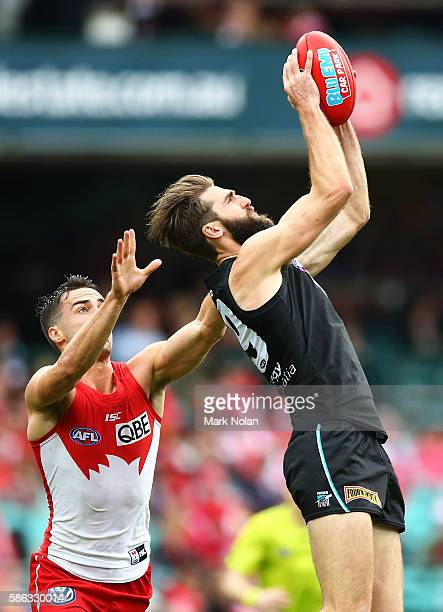 Justin Westhoff of the Power takes a mark during the round 20 AFL match between the Sydney Swans and the Port Adelaide Power at Sydney Cricket Ground...