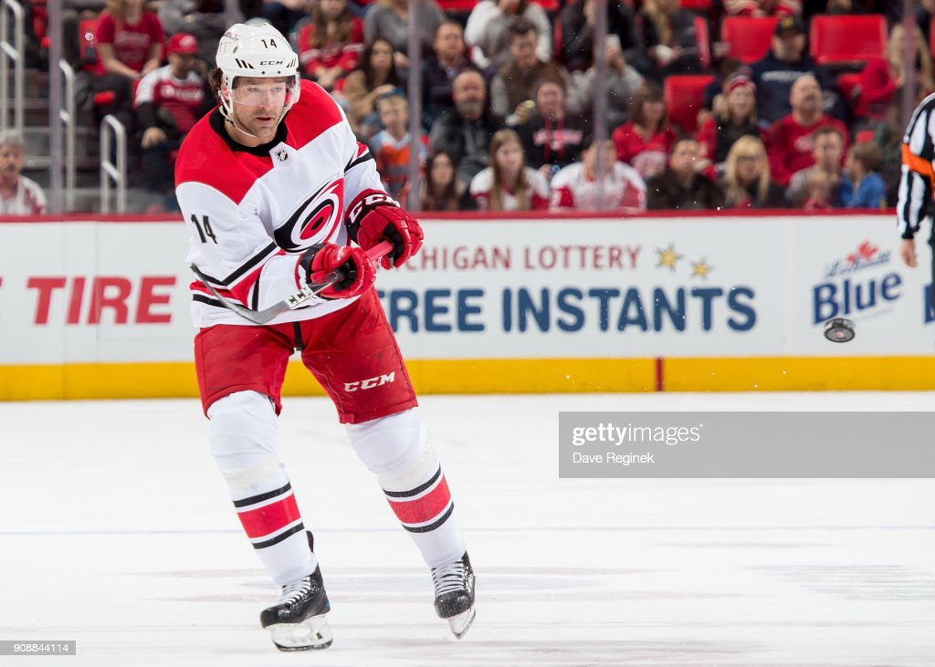 "Carolina Hurricanes v Detroit Red Wings""t : News Photo"