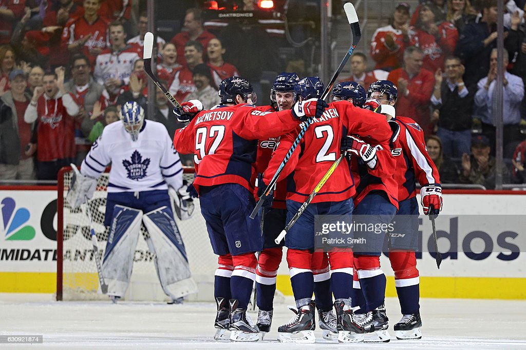 Toronto Maple Leafs v Washington Capitals : News Photo