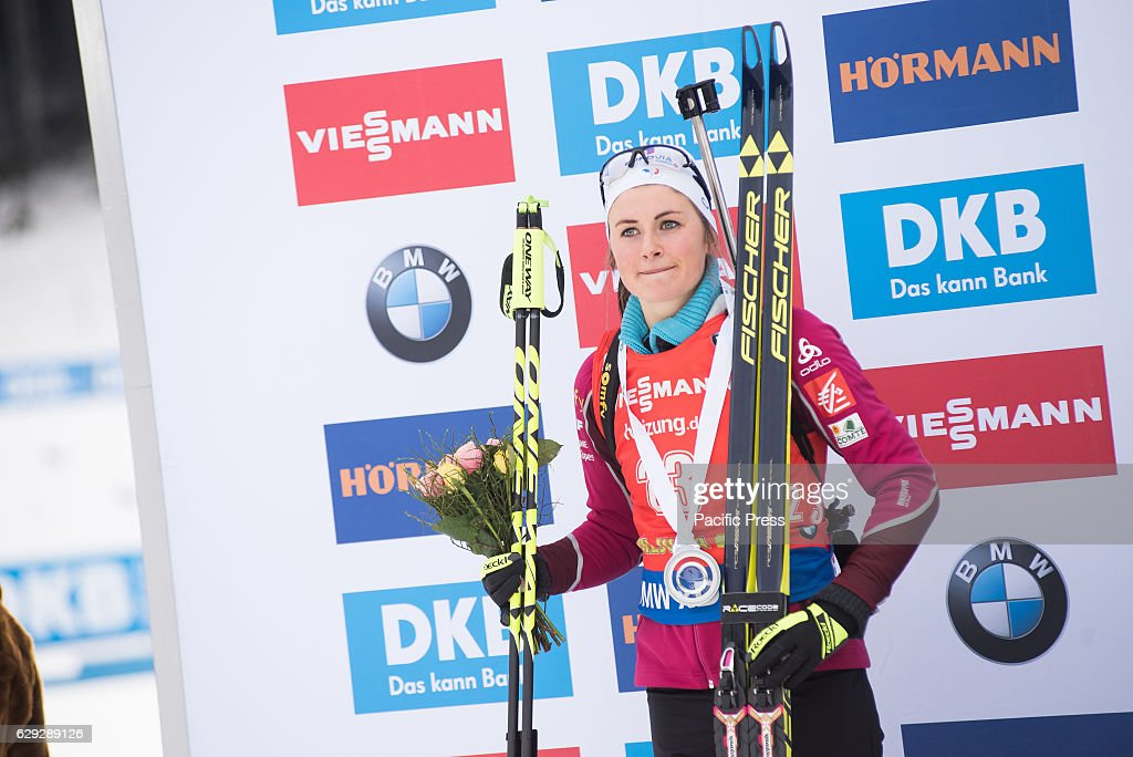 Justine Braisaz of France on podium celbrating her second... : Nachrichtenfoto