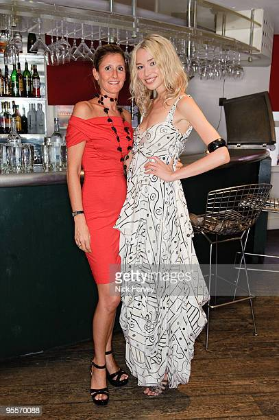 Justine DobbsHigginson and Noelle Reno attend dinner at Soho House on June 29 2009 in London England