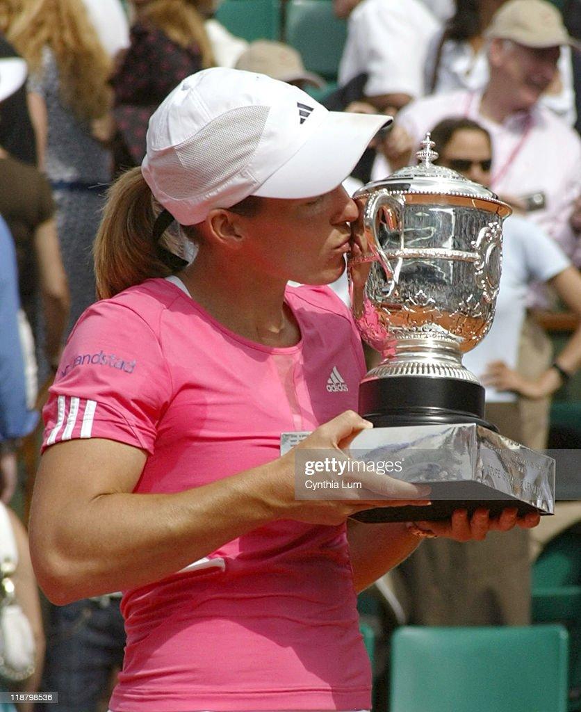 2007 French Open - Women's Singles - Final- Justine Henin vs Ana Ivanovic : ニュース写真