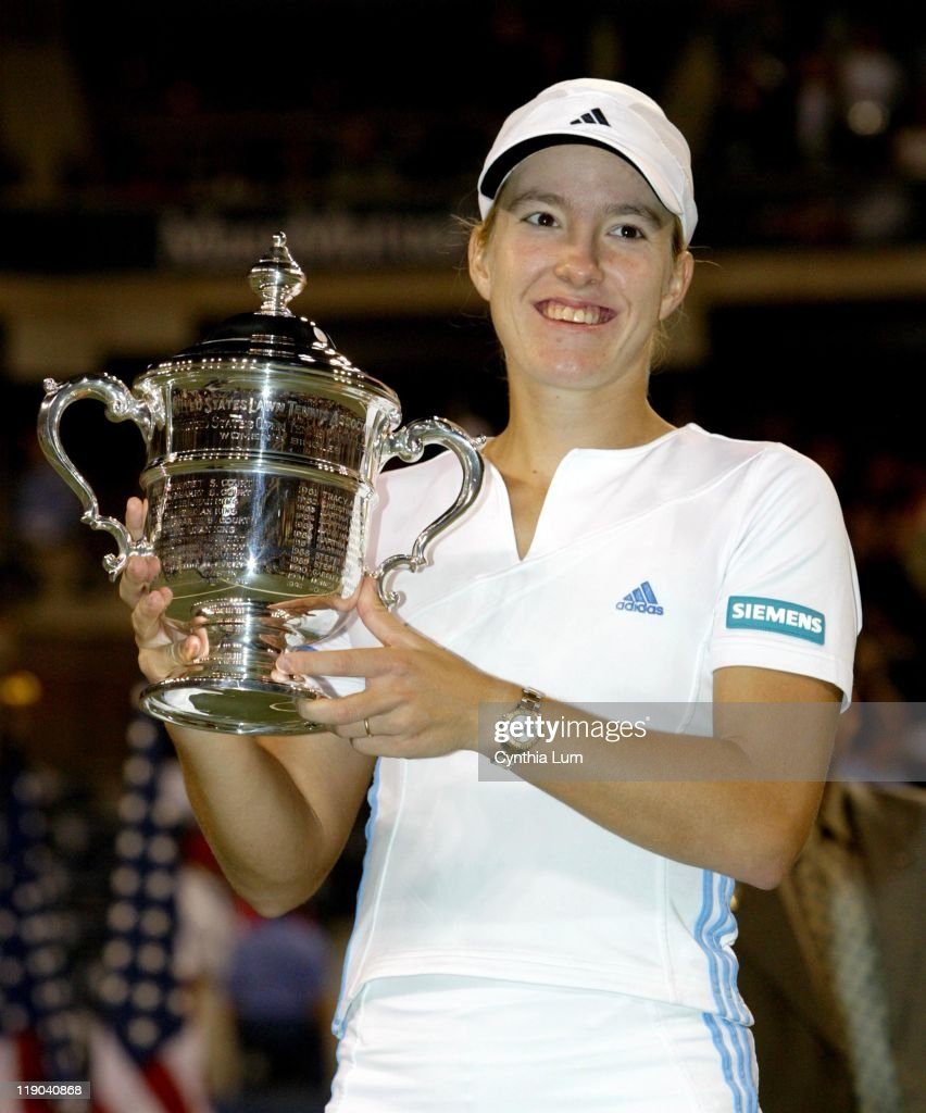 2003 US Open - Women's Singles - Finals - Justine Henin-Hardenne vs. Kim Clijsters - September 6, 2003 : ニュース写真