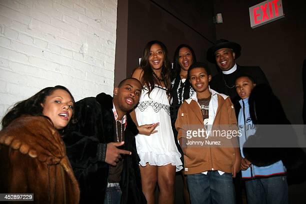 Justine JoJo Angela Vanessa Diggy Rev Run and Russy Simmons *Exclusive*