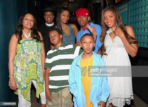 Justine Simmons Joseph Rev Run Simmons Diggy Simmons Vanessa Simmons JoJo Simmons Russy Simmons and Angela Simmons