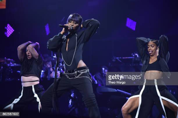 Justine Skye perform onstage during TIDAL X Brooklyn at Barclays Center of Brooklyn on October 17 2017 in New York City