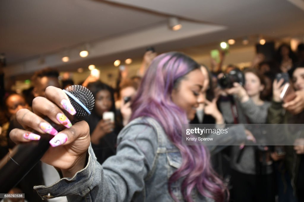 Justine Skye performs during the Boy Meets Girl x Care Bears Collection at Colette on February 14, 2017 in Paris, France.