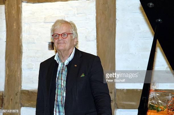 Justus Frantz bei KlavierKonzert Mozarts R e i s e nach P a r i s Sein Weg in die Unabhängigkeit initiert durch Stiftung Worpswede Bötjersche Scheune...