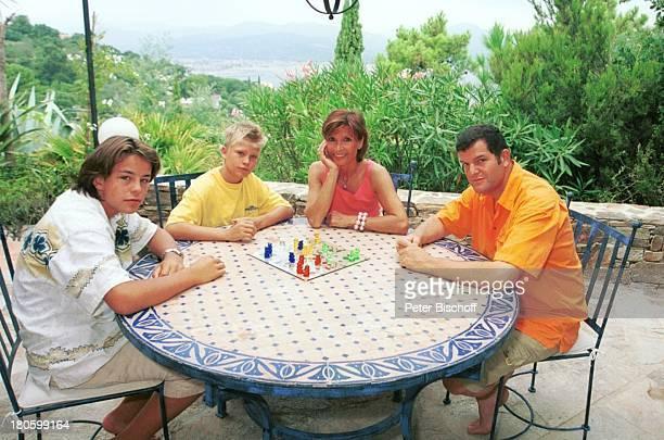 "Justus Kewenig, , Christopher Uhlen ""Stöpsel"", , Susanne Uhlen, Lebensgefährte Henry Dawidowicz, St. Tropez, Mittelmeer, Frankreich, Europa,..."