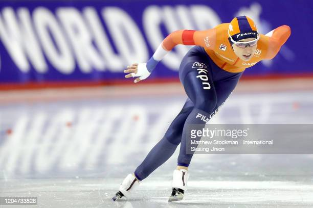 Jutta Leerdam of Netherlands competes in the final of the Ladies 1000 Meter during the ISU World Cup Speed Skating at the Olympic Oval on February 07...