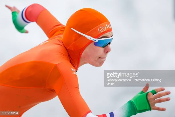 Jutta Leerdam of Netherlands competes in the Ladies 500m during day two of the ISU Junior World Cup Speed Skating at Olympiaworld Ice Rink on January...