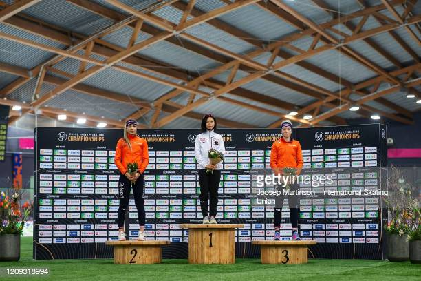 Jutta Leerdam of Netherlands Miho Takagi of Japan and Jorien ter Mors of Netherlands pose in the 1st Ladies 1000m Sprint prize giving during the...