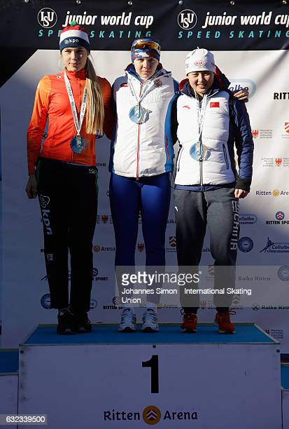 Jutta Leerdam of the Netherland Daria Kachanova of Russia and Nan Sun of China pose during the medal ceremony after winning the first women's junior...