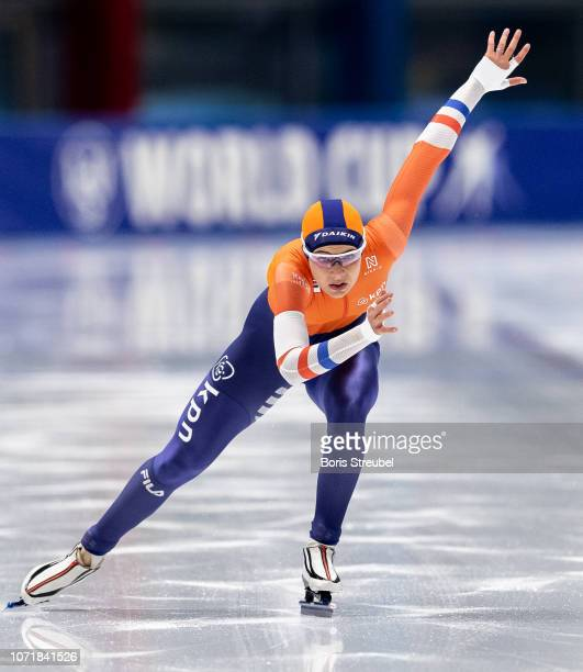 Jutta Leerdam of the Netherlands competes in the Women's 1000m Division A race on day one of the ISU World Cup Speed Skating at Tomaszow Mazoviecki...