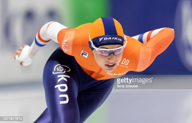 Jutta Leerdam of the Netherlands competes in the Women's 500m Division A race on day one of the ISU World Cup Speed Skating at Tomaszow Mazoviecki...