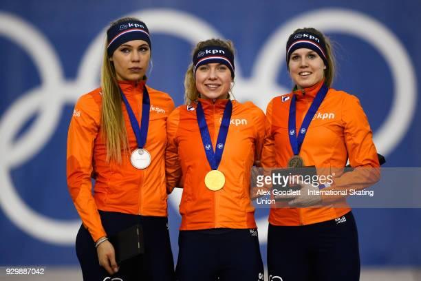 Jutta Leerdam of the Netherlands Joy Beune of the Netherlands and Elisa Dul of the Netherlands stand on the podium after the ladies 1500 meter final...