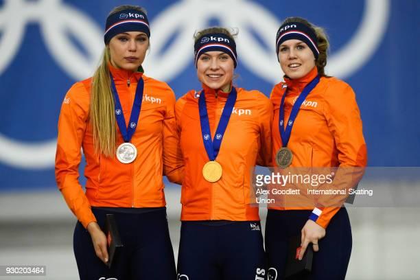 Jutta Leerdam of the Netherlands Joy Beune of the Netherlands and Elisa Dul of the Netherlands stand on the podium after the ladies 1000 meter final...