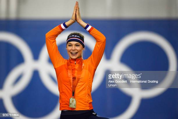 Jutta Leerdam of the Netherlands stands on the podium after winning the women's 1000 meter final during day 2 of the ISU Junior World Cup Speed...