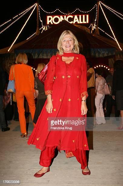 Jutta Speidel at the gala premiere of 30 years of Roncalli In Munich