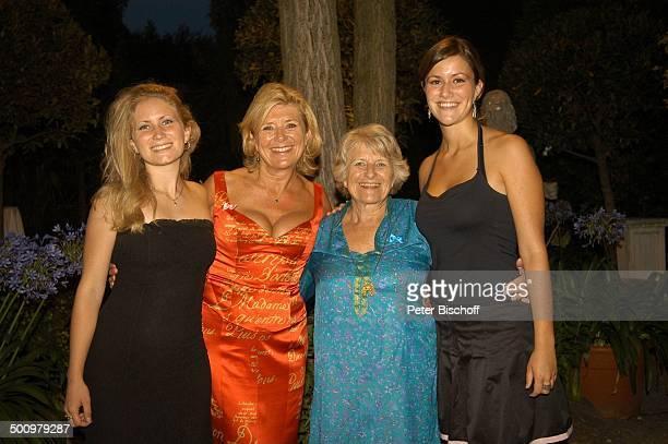 Jutta Speidel Mutter Gerlinde Speidel Tochter Antonia Tochter Franziska BenefizGala zugunsten des von Jutta Speidel unterstützten Projektes für...