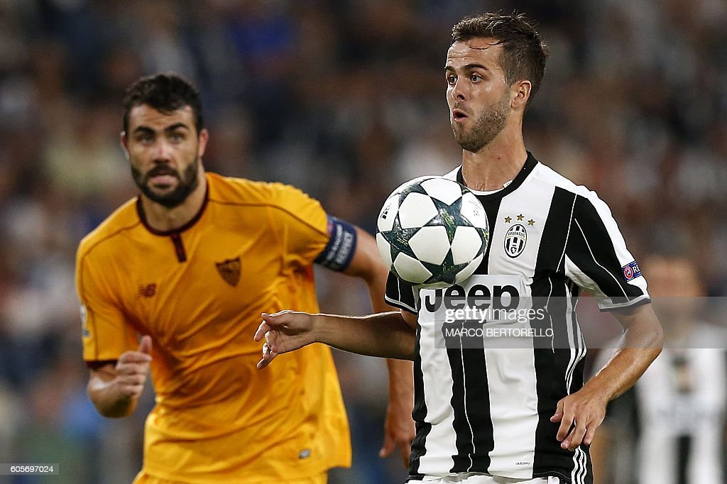 FBL-EUR-C1-JUVENTUS-SEVILLA : News Photo