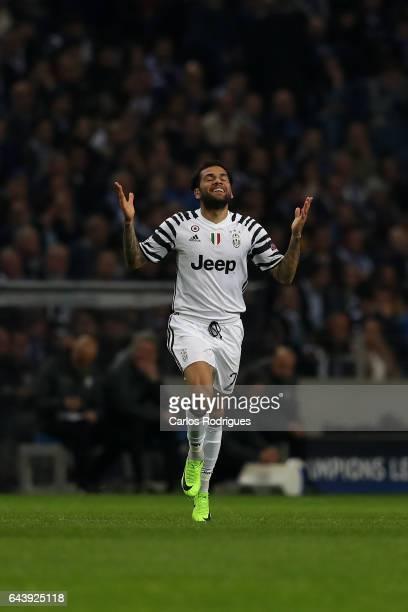 Juventus' defender Dani Alves from Brazil celebrates scoring Juventus second goal during the match between FC Porto v Juventus UEFA Champions League...