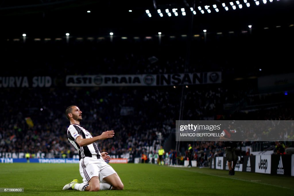 FBL-ITA-SERIEA-JUVENTUS-GENOA : News Photo