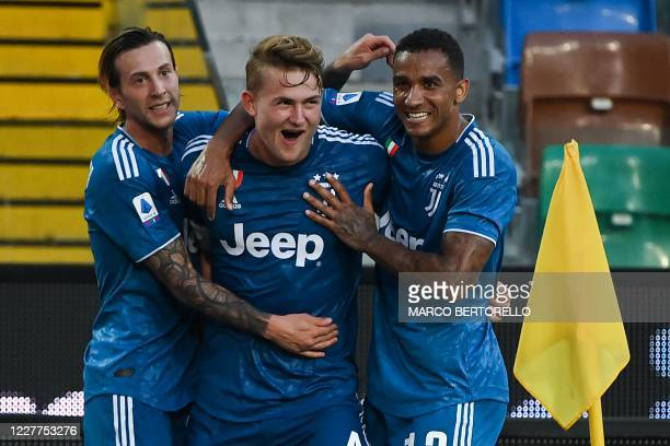Juventus' Dutch defender Matthijs de Ligt celebrates with teammates after scoring a goal during before the Italian Serie A football match between...