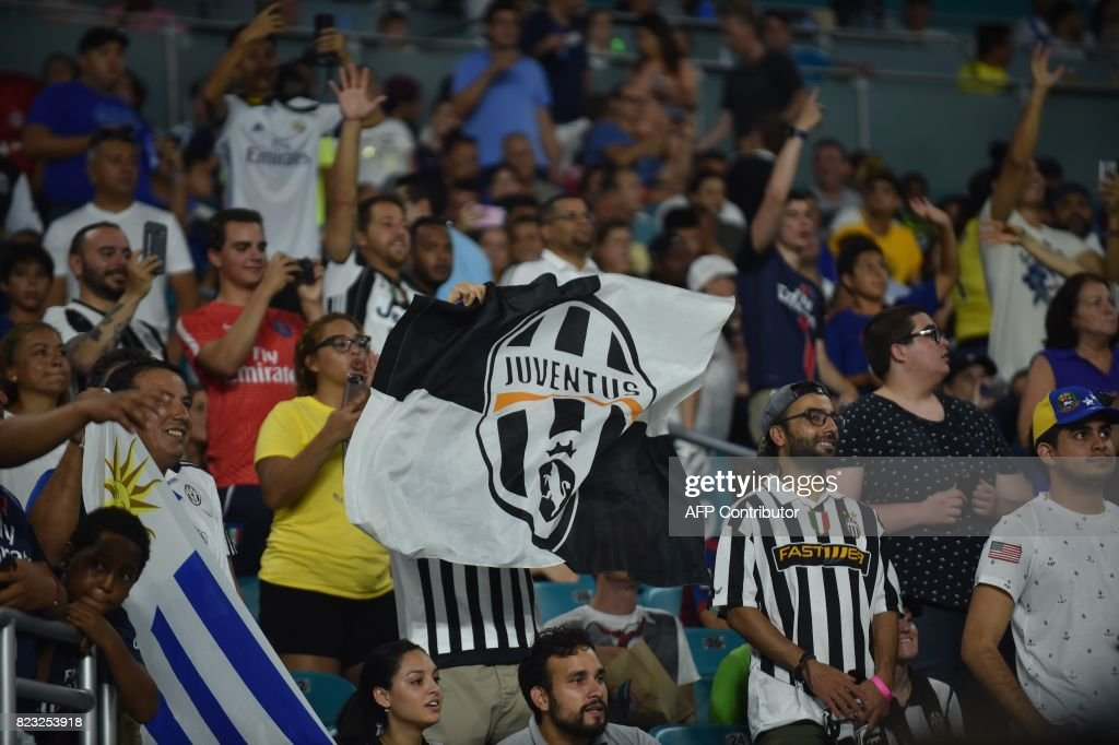 Juventus fans cheer International Champions Cup friendly match against Paris Saint Germain at Hard Rock Stadium in Miami, Florida, on July 25, 2017. /