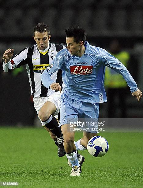 Juventus forward Alex Del Piero fights for the ball with Napoli's midfielder Marek Hamsik during their Serie A football match at Turin's Olympic...