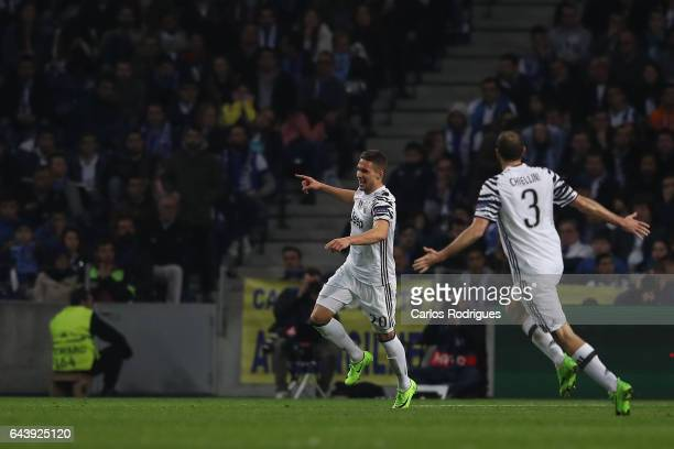 Juventus' forward Marko Pjaca from Croacia celebrates scoring Juventus first goal during the match between FC Porto v Juventus UEFA Champions League...