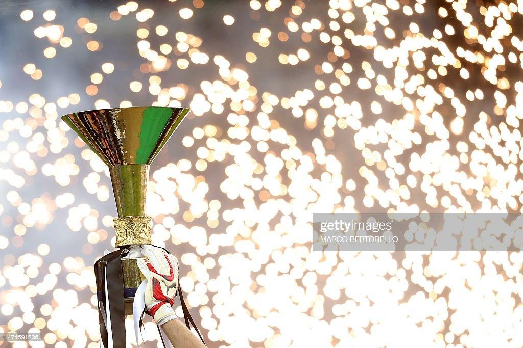 FBL-ITA-SERIEA-JUVENTUS-NAPOLI : News Photo