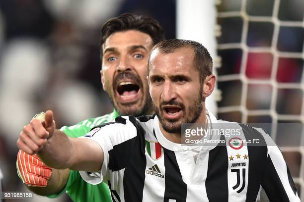 Juventus goalkeeper Gianluigi Buffon and his teammate Giorgio Chiellini gestures during the serie A match between Juventus and Atalanta BC on March...