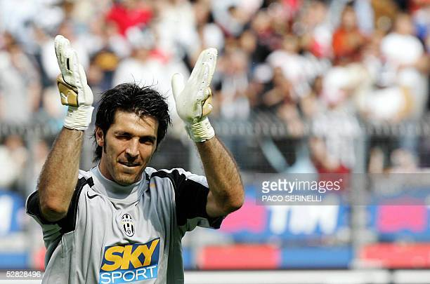 Juventus goalkeeper Gianluigi Buffon celebrates the victory against Parma at the end of their italian serie A football match JuventusParma at Delle...