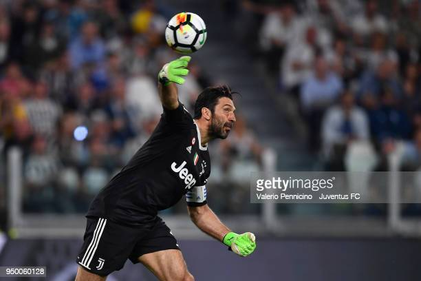 Juventus goalkeeper Gianluigi Buffon in action during the serie A match between Juventus and SSC Napoli on April 22 2018 in Turin Italy