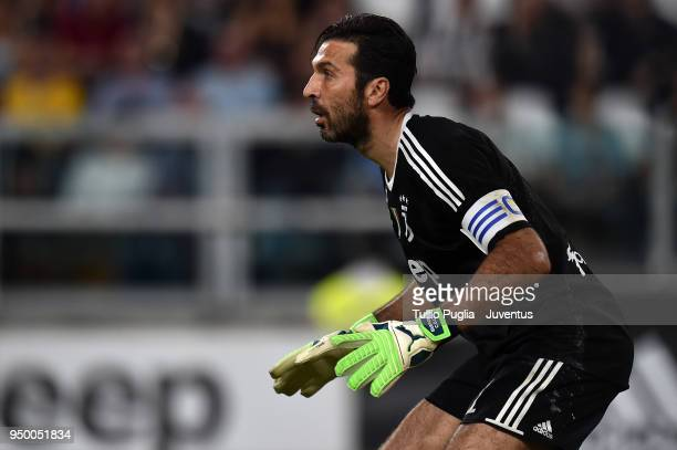 Juventus goalkeeper Gianluigi Buffon of Juventus in action during the serie A match between Juventus and SSC Napoli on April 22 2018 in Turin Italy