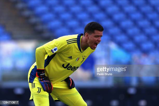 Juventus goalkeeper Wojciech Szczesny reacts during the Serie A match between SS Lazio and Juventus at Stadio Olimpico on November 8, 2020 in Rome,...
