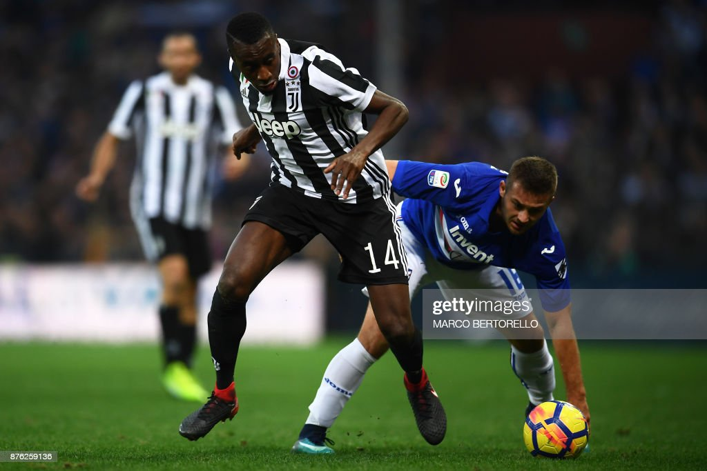 Juventus' midfielder Blaise Matuidi from France (L) fights for the ball with Sampdoria's midfielder Dennis Praet of Belgium during the Italian Serie A football match Sampdoria Vs Juventus on November 19, 2017 at the 'Luigi Ferraris' Stadium in Genoa. Sampdoria won 3-2. /